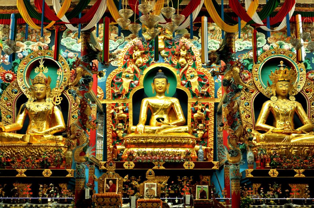 statues at Golden temple at Kushal Nagara
